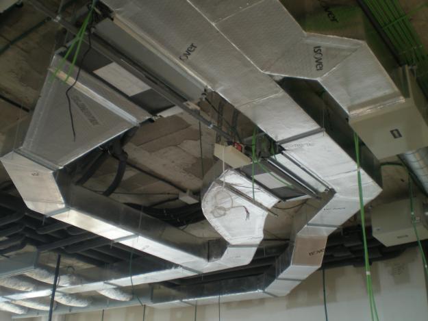 Locales comerciales y gimnasios reformas seframa slu for Conductos de aire acondicionado